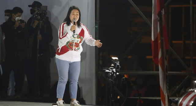 Keiko Fujimori de Fuerza Popular participó en manifestación tras segunda vuelta electoral.