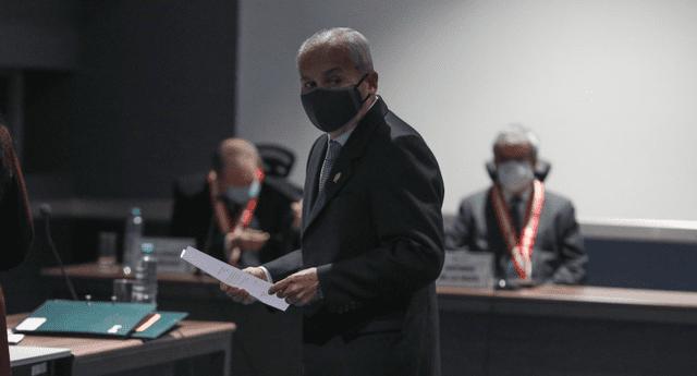 Chávarry es denunciado por cometer delitos contra la Constitución.