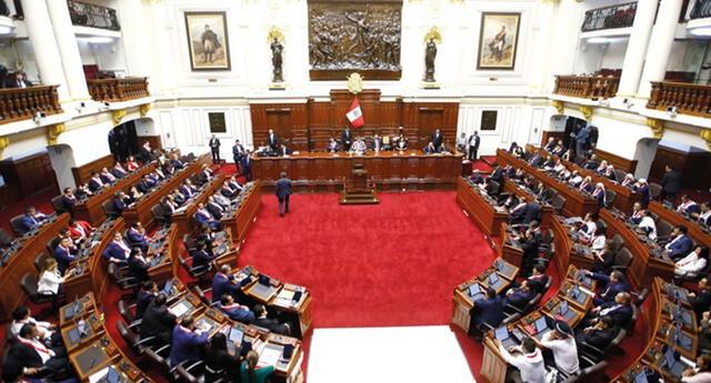 """Comisión de Constitución aprobó dictamen que """"interpreta"""" la cuestión de confianza"""