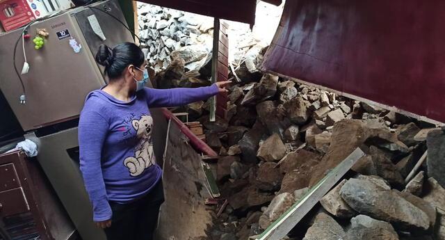 Familia resultó afectada por caída de muro en Independencia. Piden ayuda para recuperar sus pertenencias.