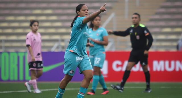 Aranxa Vega anotó de penal en la goleada de la 'U' 6-0 al Boys .