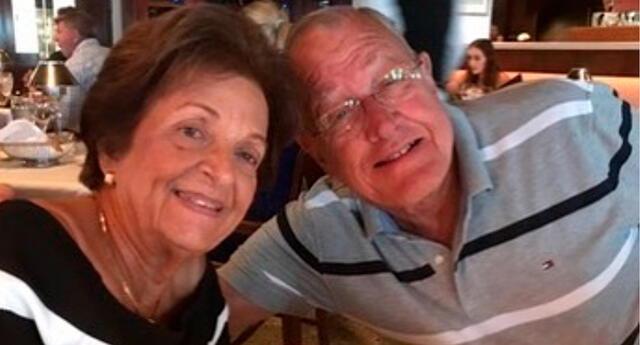 Sergio Lozano dijo que cenó con sus padres, Gladys y Antonio Lozano, de 79 y 83 años, respectivamente, solo unas horas antes del colapso.