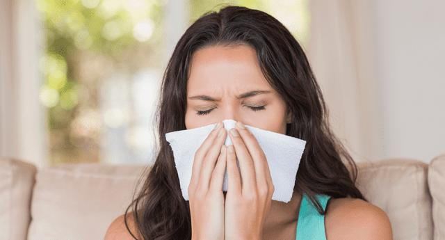 Se estima que las personas contagiadas luego de recibir la vacuna eran más propensas a sufrir estornudos.