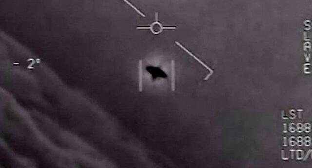 El Pentágono no descarta origen extraterrestre de avistamientos.