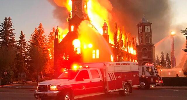 """""""Quemar iglesias está privando a las personas que necesitan sanación y duelo de lugares donde pueden llorar, reflexionar y buscar apoyo"""