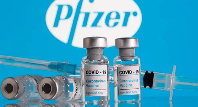 """Pfizer sostiene que es """"probable"""" que una tercera dosis """"pueda ser necesaria dentro de los 6 a 12 meses posteriores a la vacunación completa""""."""