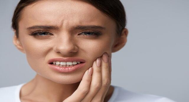 El bruxismo puede ser causado por el estrés y afectar la salud.
