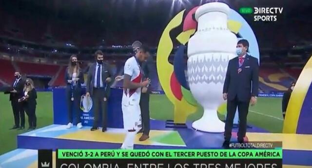 """Periodistas de DirecTV a la Conmebol por medalla que recibió Perú: """"Se ve que compraron de más"""