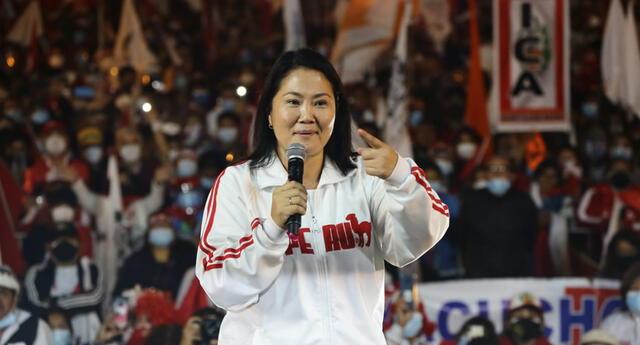 Keiko Fujimori, en horas de la tarde, lideró otra movilización en el Cercado de Lima. Lideresa reafirmó que no aceptará resultados del JNE.