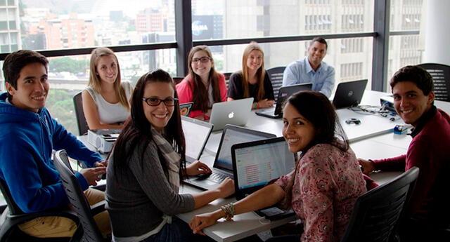 Los beneficios de trabajar y estudiar al mismo tiempo