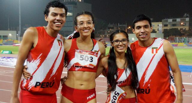 Medallistas peruanos en 4 x 400 mixto.