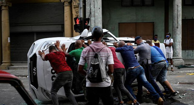 Impactantes imágenes de los manifestantes que piden el fin de la dictadura.