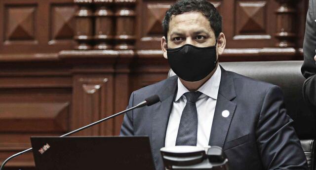 Luis Valdez, presidente de la Comisión Permanente del Congreso insiste en citar a Elvia Barrios y a Pablo Sánchez.
