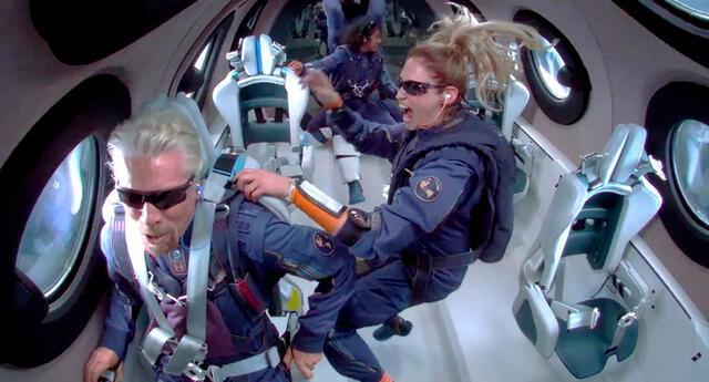 Richard Branson en el espacio.