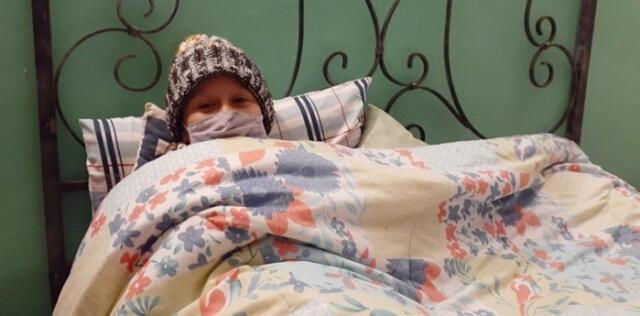 Mujer pidió ayuda para pagar su tratamiento de cáncer y terminó huyendo con dinero donado.