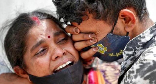La agresiva segunda ola de coronavirus en la India ha provocado la muerte de más de 400 mil personas.