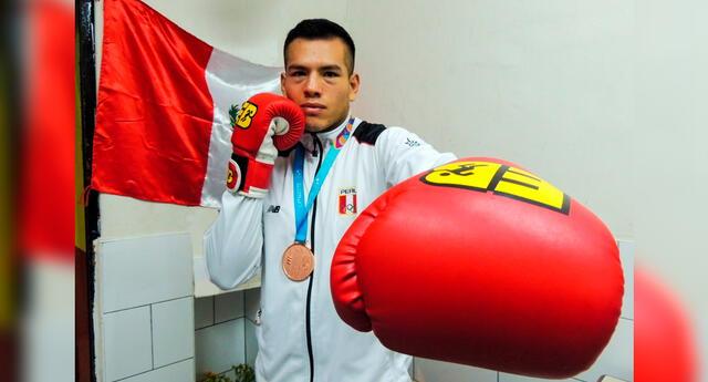 José María Lúcar, boxeador peruano.
