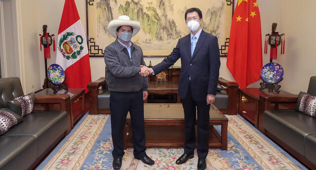 Virtual mandatario fue a la embajada de China esta tarde.