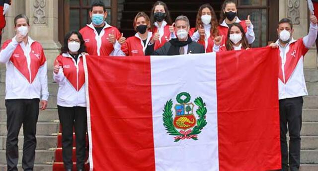 El día que el presidente de la República despidió a los deportistas que irán a Tokio.