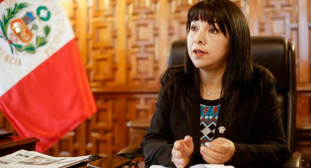 Mirtha Vásquez denunció una 'campaña malintencionada' de algunos congresistas y rechazó 'las falsas acusaciones sobre ascensos ilegales'.
