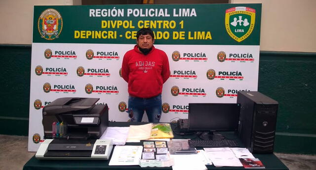 El detenido y lo incautado por la PNP del Depincri Cercado de Lima