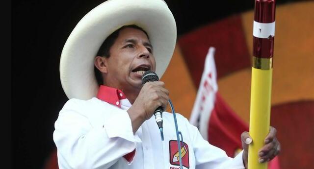 Pedro Castillo recibió su credencial este último 23 de julio.