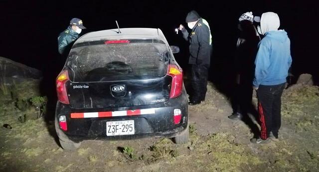 Agente policial fue hallado sin vida dentro de su vehículo. Presentaba tres balazos.