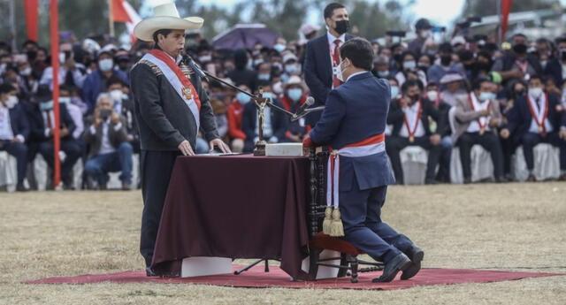 Guido Bellido jura como presidente del Consejo de Ministros. Foto: Aldair Mejía/La República