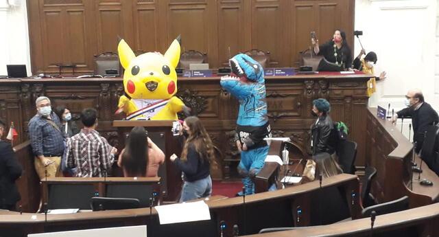 Aparece 'Pikachu' en pleno Congreso chileno mientras se debatía nueva reforma constitucional.