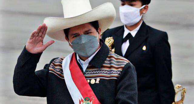 Pedro Castillo sería vacunado con la dosis Sinopharm, según el ministro de Salud Hernando Cevallos.