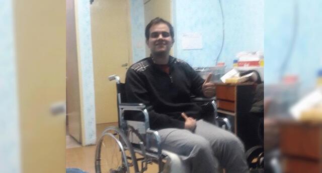 """Joven en silla de ruedas no encuentra trabajo y pide ayuda: """"Deseo comer, pagar la renta y estudiar""""."""