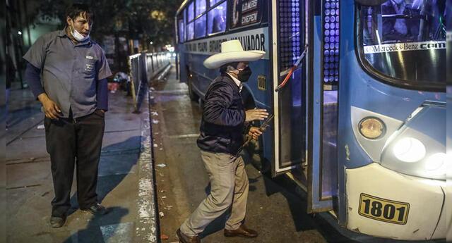 Clon de <b>Pedro Castillo</b> sorprendió a transeúntes del Centro de Lima.