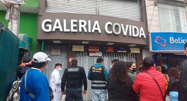 Delincuentes ingresaron a galería en Los Olivos.