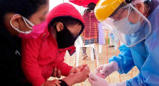 Menores con VIH deben ser vacunados.