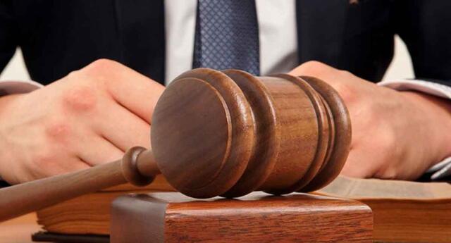 Juez obligó a una pareja a reparar los daños material contra su hijo.