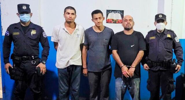 La Policía de El Salvador rescató a 27 personas.
