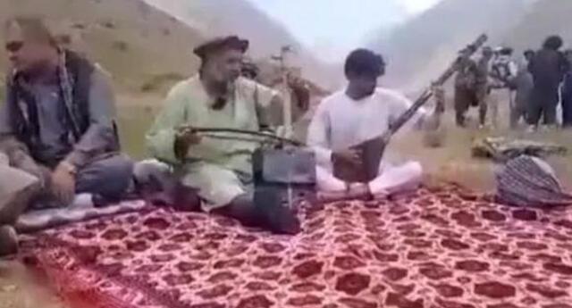 Talibanes matan a tiros a un cantante folk con el que habían tomado el té antes. Foto: Twitter