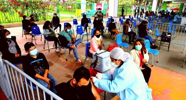 Desde hoy los mayores de 27 años pueden vacunarse contra el COVID-19.
