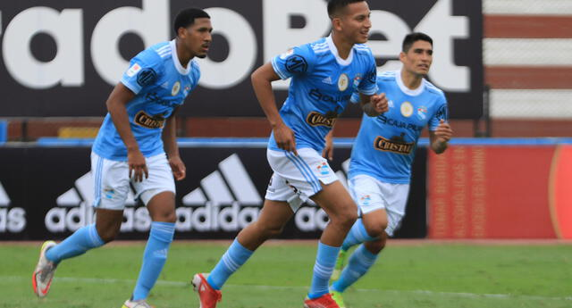 Martín Távara anotó su gol y luego sufrió una severa lesión a la rodilla.