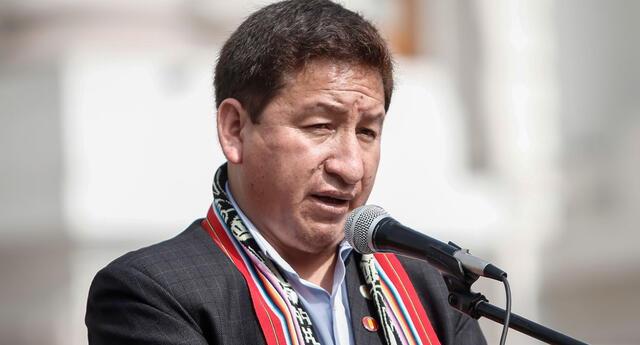 Guido Bellido esquiva las preguntas respondiendo en quechua