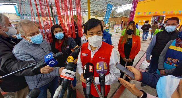 Ministro de Educación supervisó medidas de bioseguridad en colegio miraflorino.