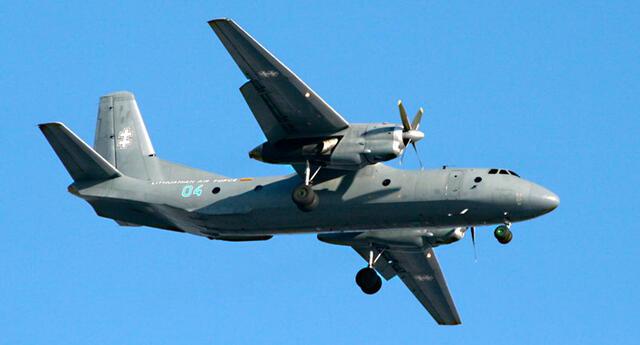 El Antonov An-26 es un avión de transporte táctico.