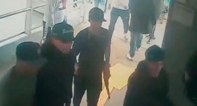 Delincuentes ingresan con metralleta a la estación del Metropolitano