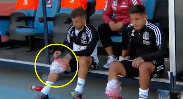 Gabriel Costa salió rengueando del clásico del fútbol chileno y preocupa en la selección peruana.