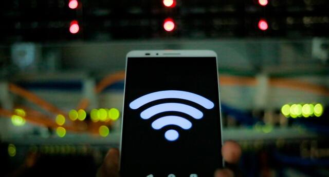 Google añadiría un botón de Nearby Share para que los usuarios puedan compartir la conexión WiFi con otros dispositivos que estén cerca y hayan usado dicha red. Foto: El Universal