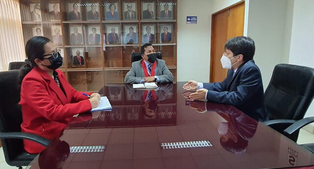 Presidente de la Corte de Lambayeque,  Juan Riquelme Guillermo Piscoya se reunió con un funcionario de la Contraloría General de la República