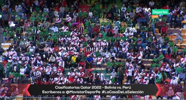 Como en casa: Hinchas peruanos pintan de blanco y rojo el estadio en La Paz