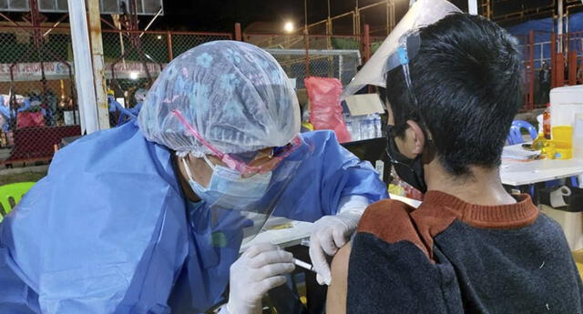 Vacunación de menores de edad sin comorbilidades de suspendió a mediados de setiembre último. Foto: Minsa.