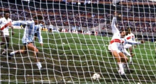 Un gol con falta en los últimos minutos permitió a Argentina empatar (2-2) y clasificar al Mundial.