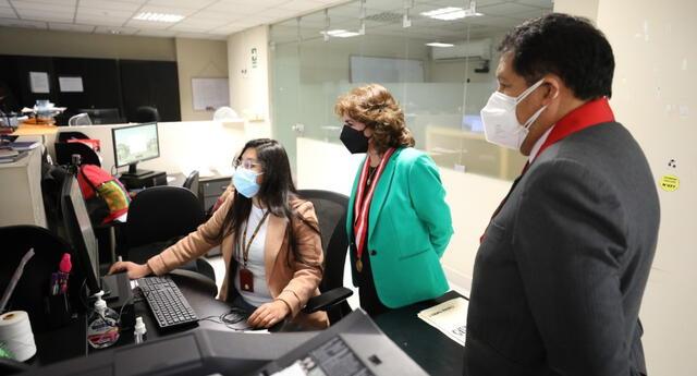 Presidenta del Poder Judicial, Elvia Barrios constató labor de los jueces y del personal de la Corte Superior Nacional